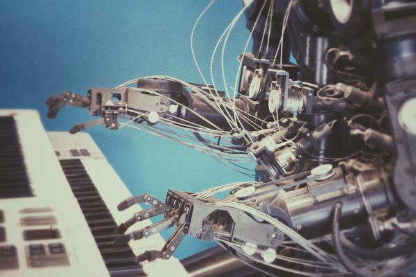 robotplayingpianojpg