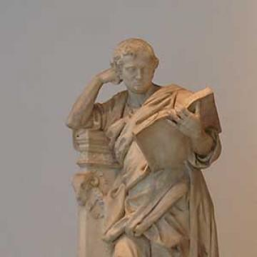 Statue at the Ashmolean Museum